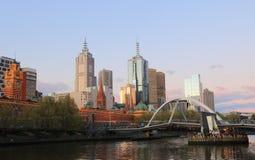 Cityscape van Melbourne zonsondergang Australië Stock Foto's