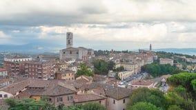 Cityscape van Perugia met basiliek van San Domenico stock footage