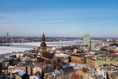 Cityscape van Riga in de Winter Stock Afbeeldingen