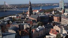 Cityscape van Riga, Letland stock videobeelden