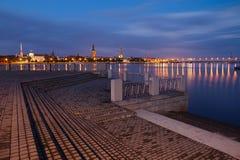 Cityscape van Riga van de nacht Royalty-vrije Stock Foto