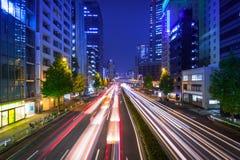 Cityscape van Shinjuku-district met verkeerslichten, Tokyo Royalty-vrije Stock Afbeeldingen