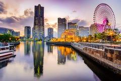 Cityscape van Yokohama Minato Mirai bij zonsondergang Het oriëntatiepunt van Japan en populair voor toeristische attracties stock afbeelding