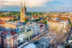 Cityscape van Zagreb - luchtmening, Kroatië stock foto's