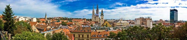 Cityscape van Zagreb panorama op oud stadscentrum Royalty-vrije Stock Foto