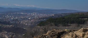 Cityscape Veliko Tarnovo royaltyfria foton
