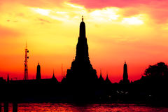 Cityscape of Wat Arun temple in dusk Stock Photos