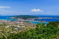 Cityscapen Trogir, Kroatien royaltyfria bilder