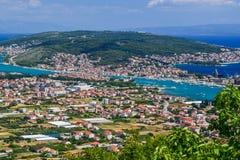 Cityscapen Trogir, Kroatien fotografering för bildbyråer