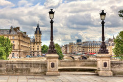 cityscapeneufparis pont Royaltyfria Bilder