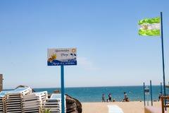 Cityscapes-, stadssikter, fasader, promenader, arkitektur, gator och stränder Strand på Costa del Sol Maya el Cordobes in royaltyfria foton