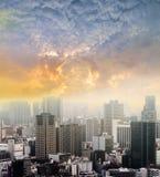 Cityscapes van de zonsondergang van Tokyo, mening van de stads de luchtwolkenkrabber van offic royalty-vrije stock foto's