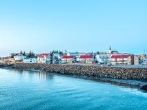 Cityscapesikt av Borganes, Island arkivbild