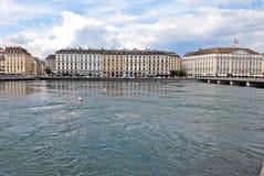Cityscapesikt av sjöGenève, Schweiz royaltyfria foton