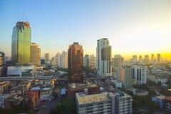 Cityscapesikt i morgonen på Bangkok arkivbild