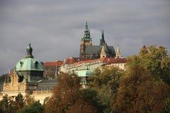 Cityscapeslottområde i Prague Royaltyfria Foton