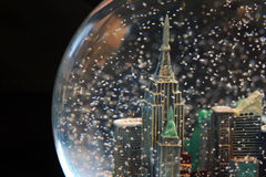 cityscapesnowglobe arkivbild