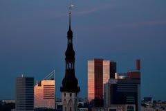 cityscapesolnedgång Arkivbild