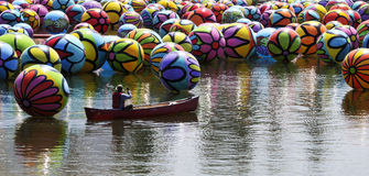 Citysccape van Ballons die in het Park van Los Angeles drijven MacArthur Royalty-vrije Stock Afbeeldingen