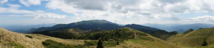 Ciucas berg i Rumänien 14 - panorama Royaltyfria Bilder