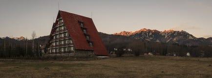 Ciucas-Berge gesehen von Cheia Stockbild