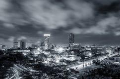 Ciudad africana del este antes de la salida del sol Foto de archivo