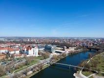 Ciudad alemana con el río imágenes de archivo libres de regalías