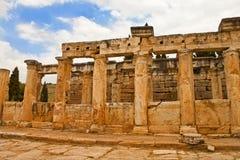 Ciudad antigua de Hierapolis en Pamukkale Foto de archivo libre de regalías