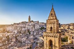 Ciudad antigua de Matera (Sassi di Matera) en la salida del sol, Basilicata, Italia Foto de archivo libre de regalías