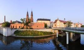 Ciudad central de Opole de la parte en la puesta del sol Imagenes de archivo