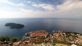 Ciudad cerca del mar Imágenes de archivo libres de regalías