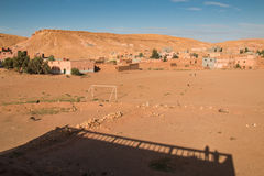 Ciudad circundante AIT ben Haddou, Marruecos del país Imagen de archivo