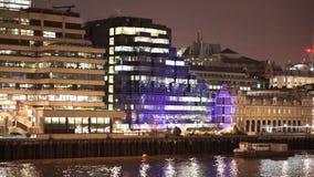 Ciudad colorida de la orilla de Londres metrajes