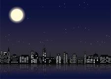 Ciudad con las ventanas brilladas en edificios ilustración del vector