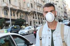 Ciudad congestionada por completo de humos malsanos imagen de archivo