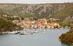 ciudad costera en Croacia Foto de archivo libre de regalías