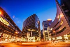 Ciudad Düsseldorf de la noche Hotel Hyatt alemania Imagen de archivo