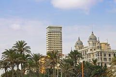 Ciudad de Alicante en la costa de Costa Blanca, España Fotos de archivo