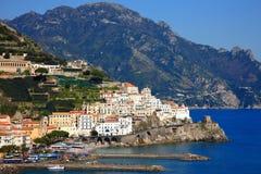 Ciudad de Amalfi Fotos de archivo libres de regalías