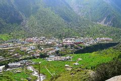 Ciudad de Badrinath en el valle, Uttarakhand, la India Fotos de archivo libres de regalías