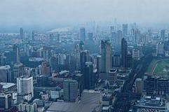 Ciudad de Bangkok en la oscuridad Foto de archivo libre de regalías