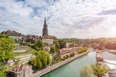 Ciudad de Berna a lo largo del río de Aare en Berna, Suiza Foto de archivo libre de regalías