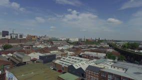 Ciudad de Birmingham por el abejón, Reino Unido almacen de video