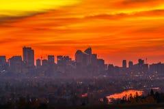 Ciudad de Calgary en silueta de la salida del sol Fotografía de archivo
