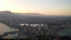 Ciudad de Calpe en gran día foto de archivo