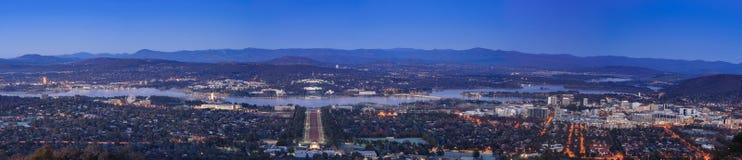 Ciudad de Canberra en la noche Fotografía de archivo