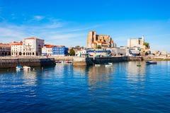 Ciudad de Castro Urdiales en España imagen de archivo libre de regalías