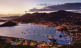 Ciudad de Charlotte Amalie y puerto Imágenes de archivo libres de regalías