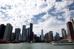 Ciudad de Chicago en el lago Michigan fotografía de archivo libre de regalías