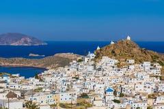 Ciudad de Chora, isla del IOS, Cícladas, egeas, Grecia foto de archivo libre de regalías